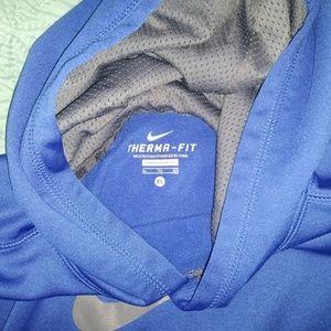 💙Kids XL Nike blue therma-fit sweatshirt💙